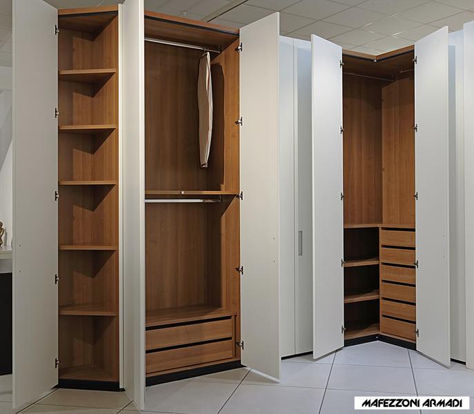 Interno armadio ad angolo opinioneuropeenne - Armadio ad angolo con cabina ...